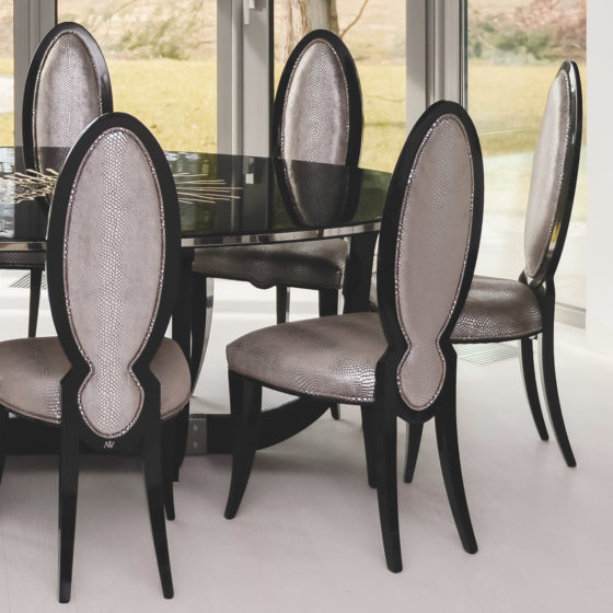 dining table Black Pearl Classic in Interior